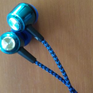 In-Ear Headphones With Braided Wire And Mic
